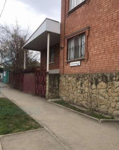 Аренда дома, 350м <sup>2</sup>, Краснодар, улица Володарского,  41
